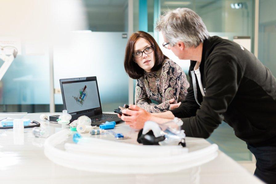Mercedes crea respiradores para pacientes con coronavirus