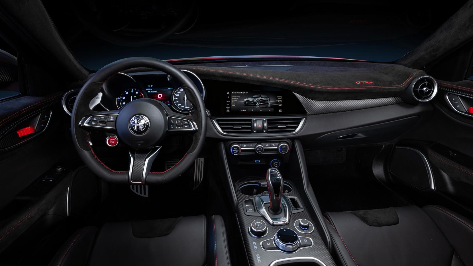 Alfa Romeo Giulia GTA-2021 habitaculo