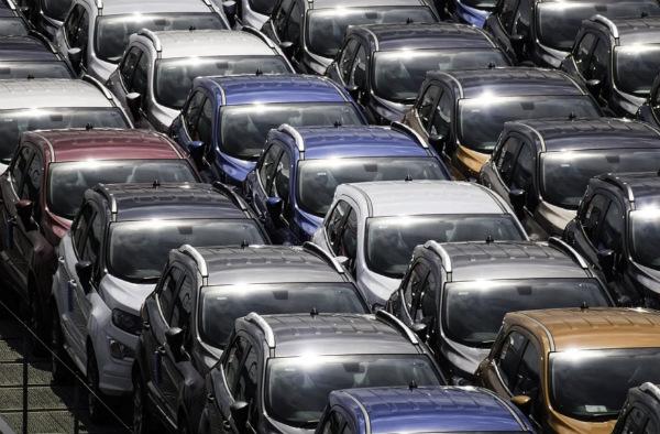 Baja el crédito para autos nuevos y aumenta la compra de usados