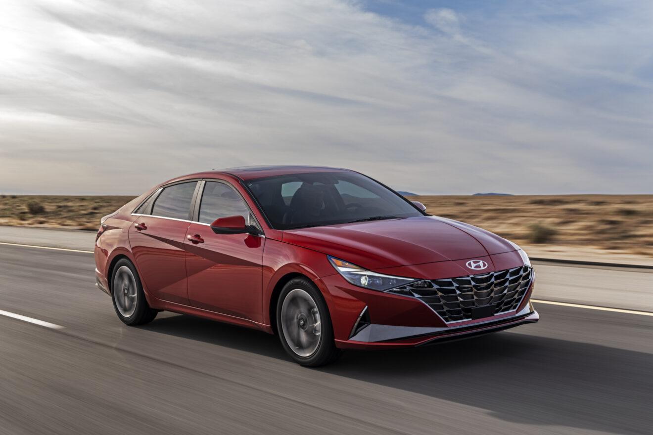 Hyundai Elantra 2021 debuta en Hollywood