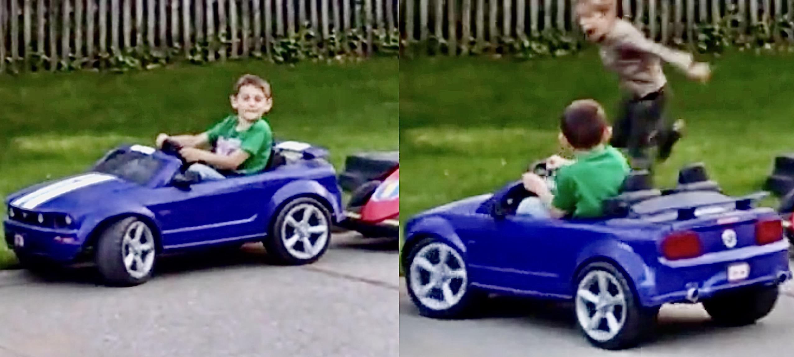 Niño de cinco años se estaciona entre dos autos, ¡en un drift!