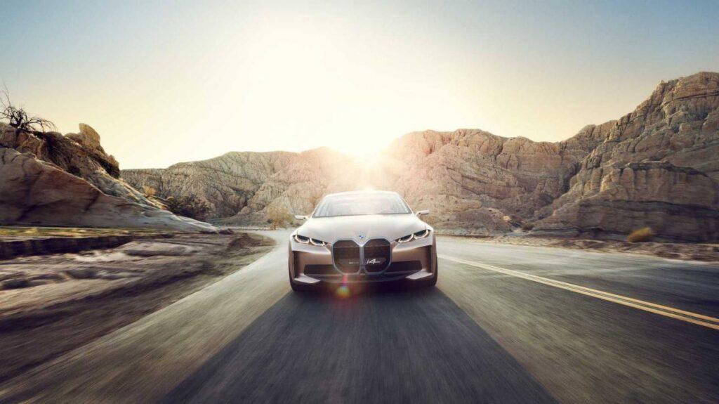 BMW Concept i4, el sedán eléctrico con interior futurista