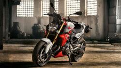 Ducati Monster 821 vs Aprilia Shiver 900 vs BMW F900R