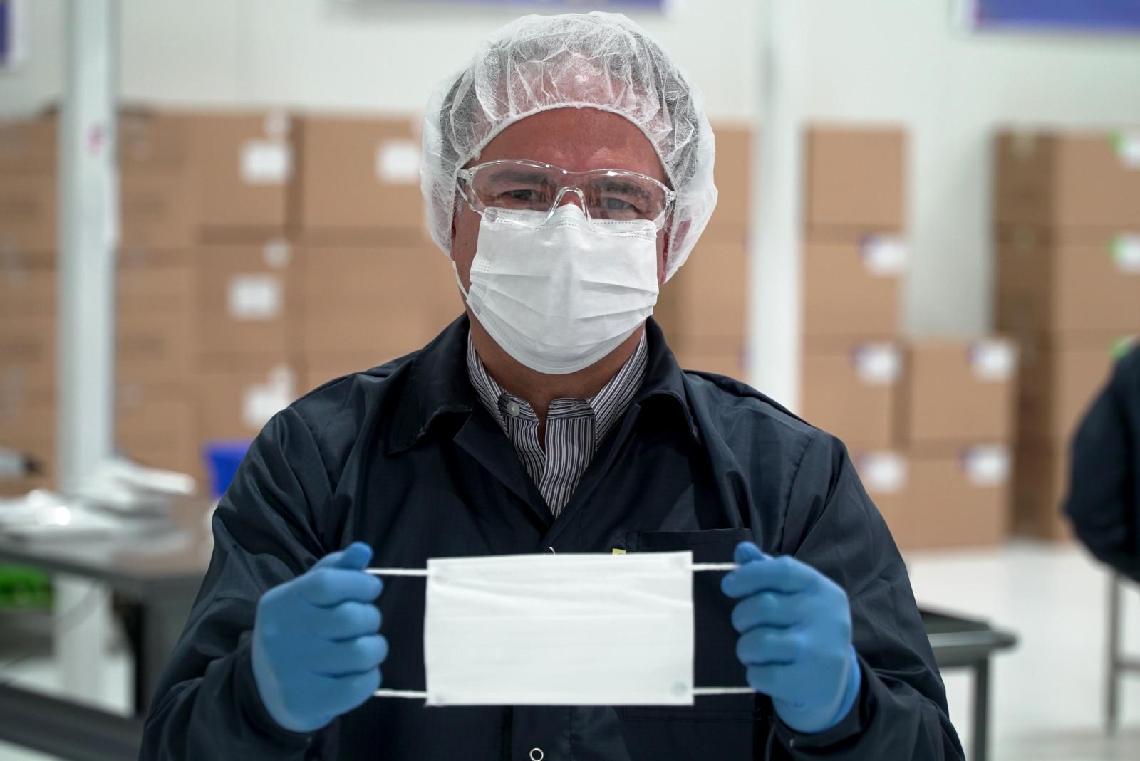 General Motors inicia producción de mascarillas en México