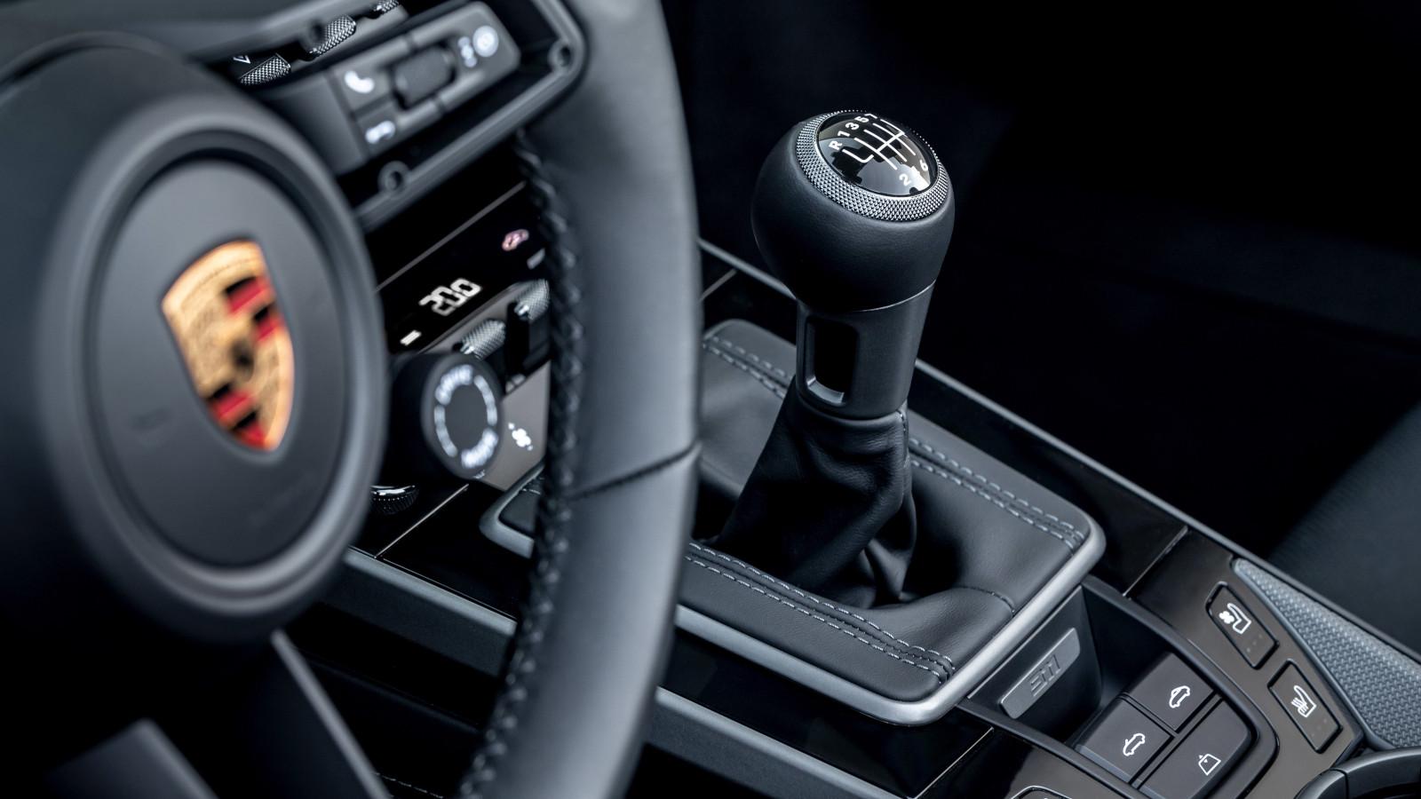Porsche piensa en los entusiastas con una transmisión manual