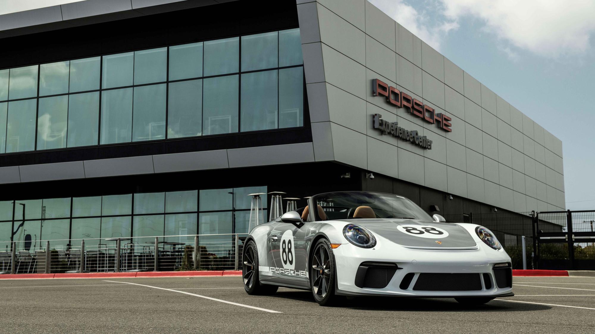 Porsche subasta el último 911 Speedster para apoyar contra el Covid-19