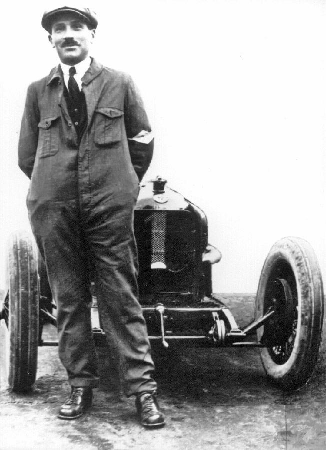 Vittorio Jano y su GP Tipo P2 en 1925.