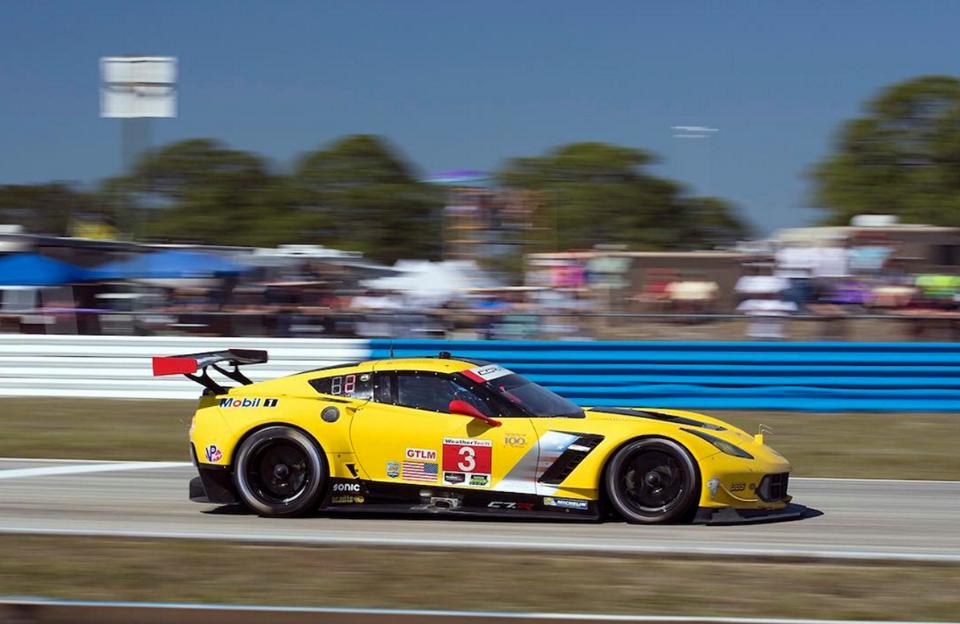 Corvette Racing se retira de las 24 Horas de Le Mans