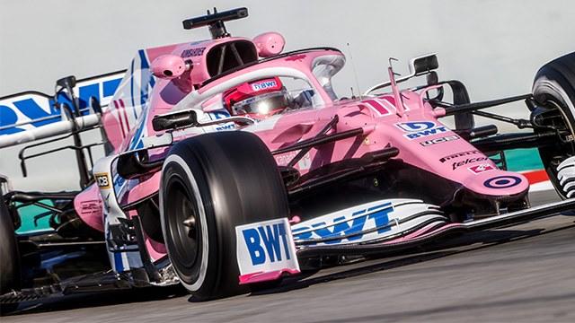 """La FIA comprobó la legalidad del """"Mercedes rosa"""""""