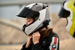 BMW Motorrad extiende garantía en sus cascos