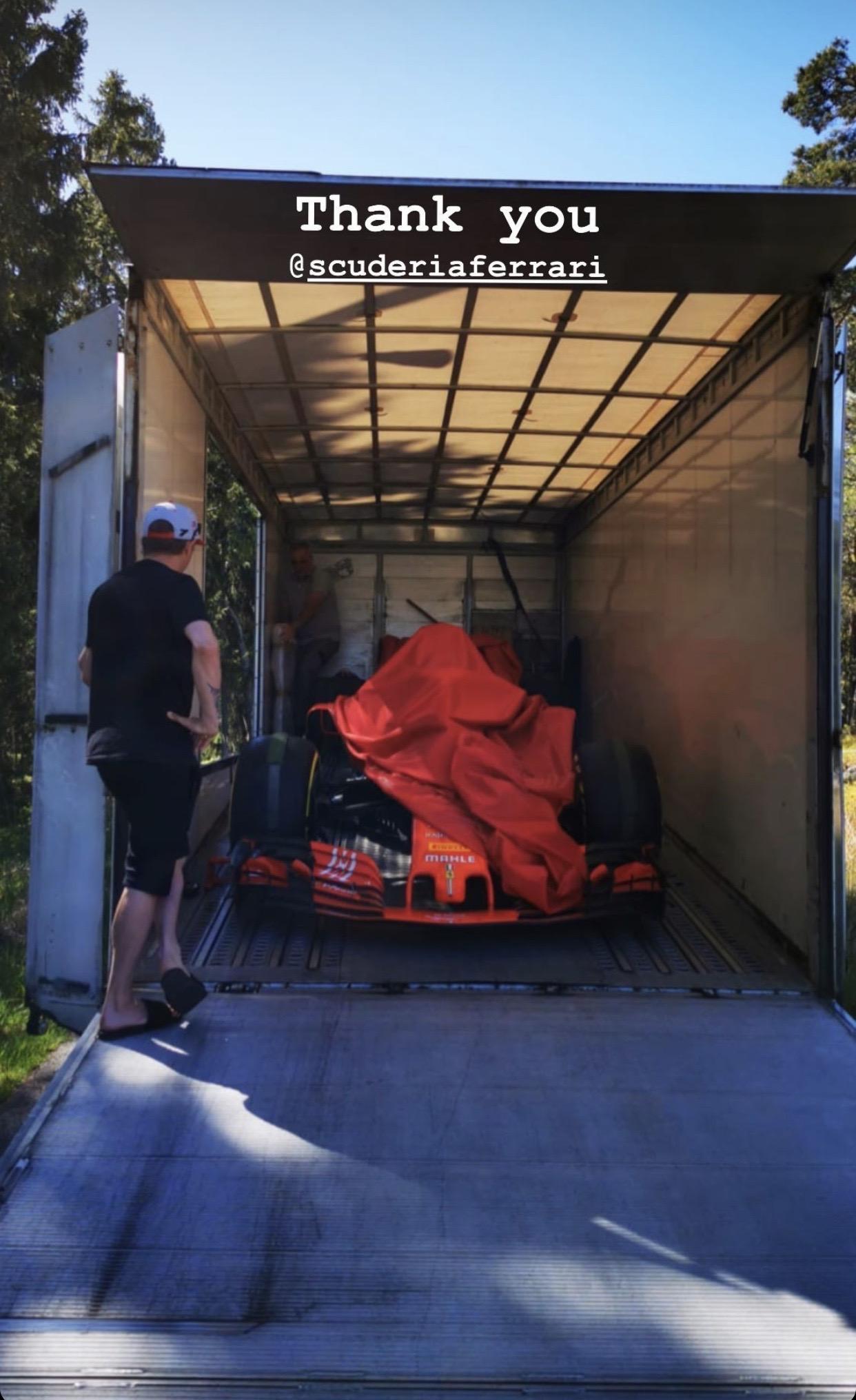 Raikkonen recibe una entrega muy especial por parte de Ferrari