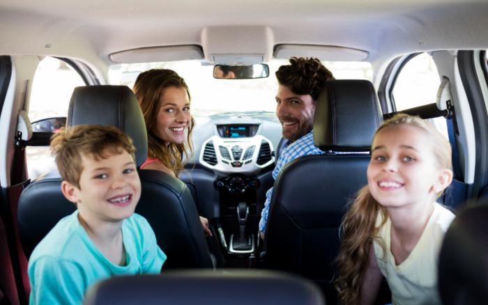 """""""¿Mamá, falta mucho?"""" Siete consejos para viajar con niños en el auto"""