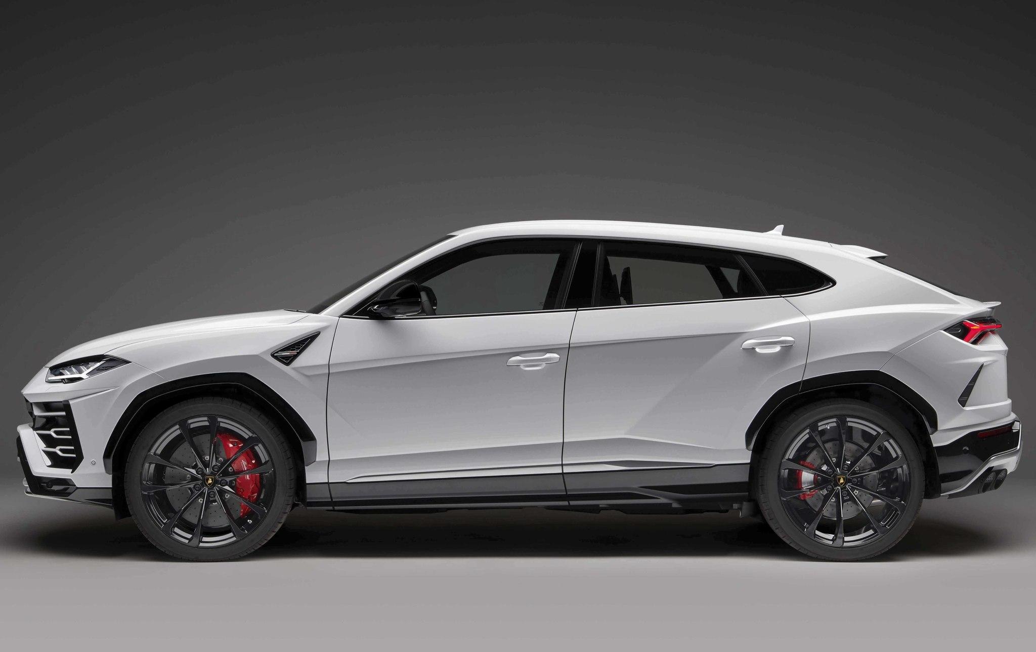 Cómo se venden marcas como Aston Martin y Lamborghini en México