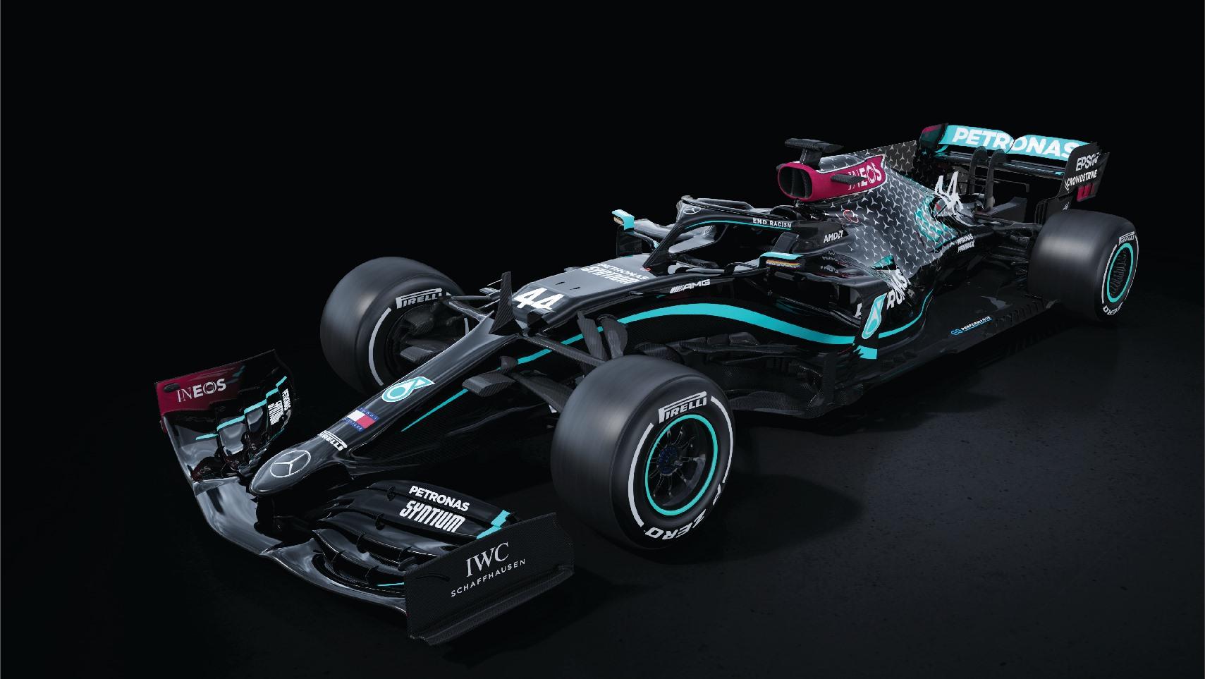 El equipo Mercedes cambia de colores en contra del racismo
