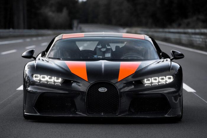 Bugatti-Chiron_Super_Sport_300-2021-1600-0a