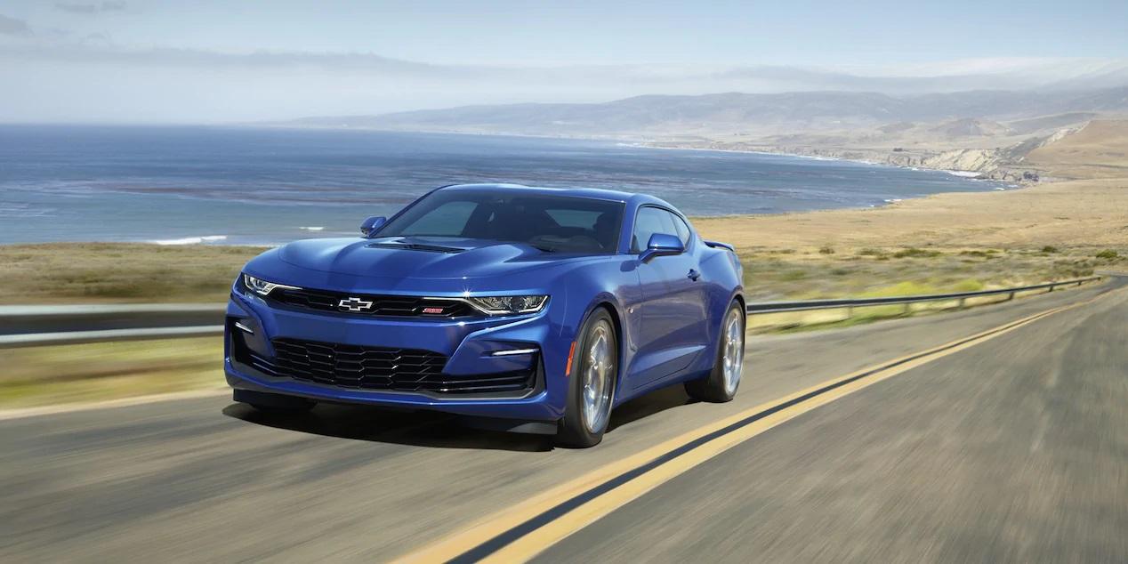 Martes de deportivos: Camaro, Mustang y Challenger