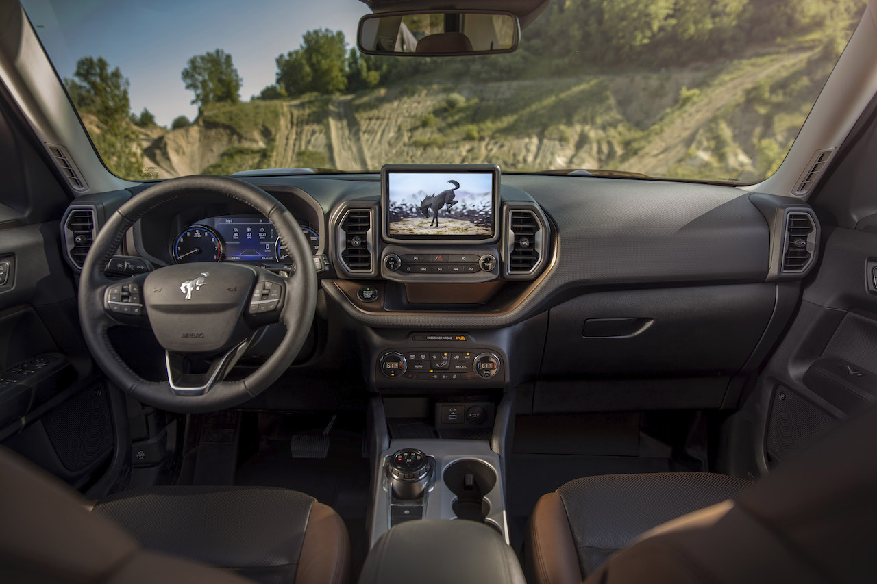 10 tecnologías que debes buscar al comprar un auto nuevo, según KBB
