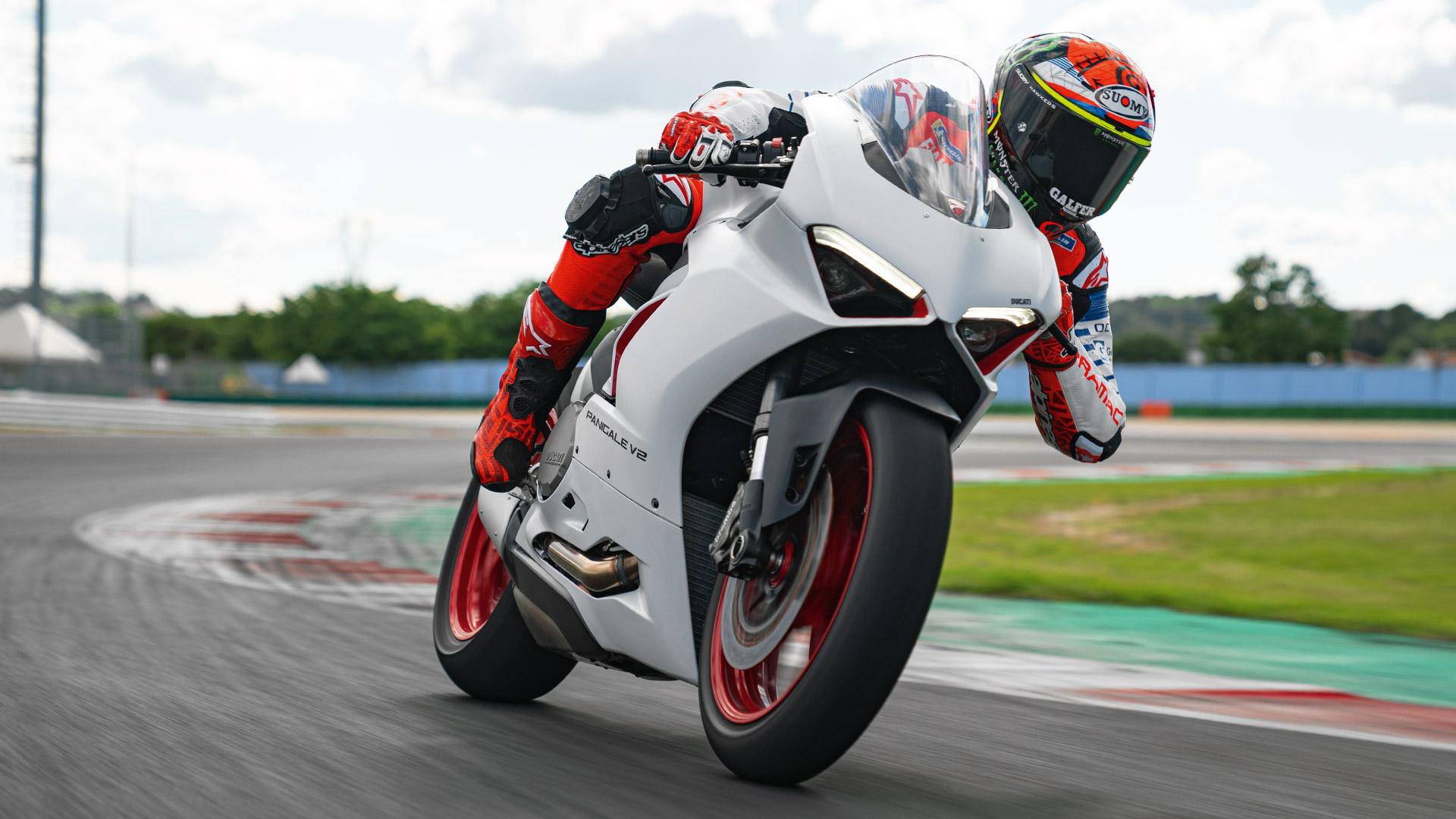 Ducati Panigale V2, estrena una imagen inmaculada