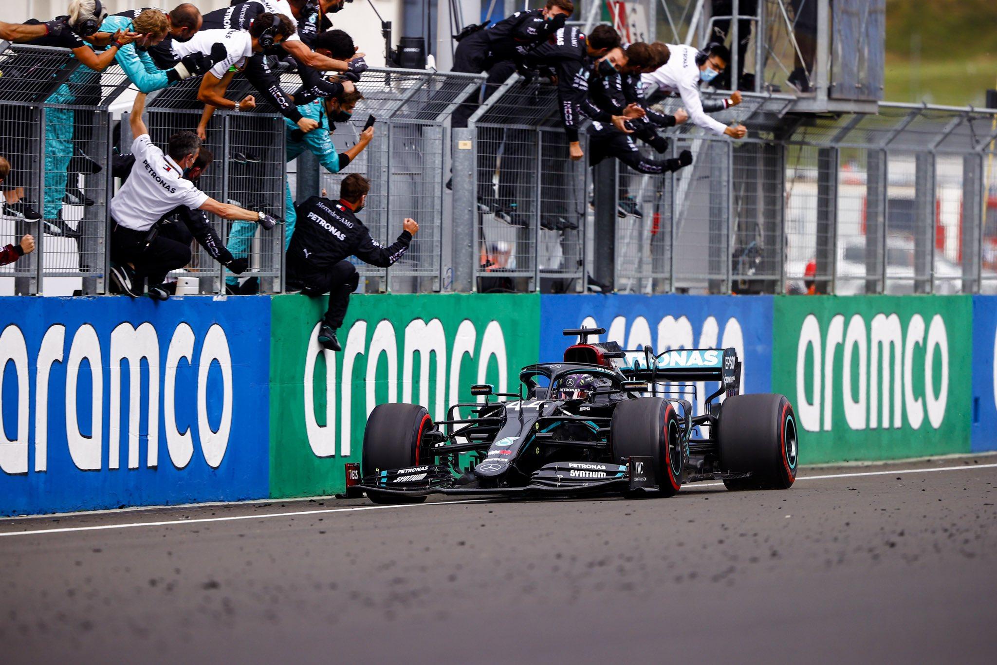 Lewis Hamilton triunfa en Hungría e iguala a Schumacher
