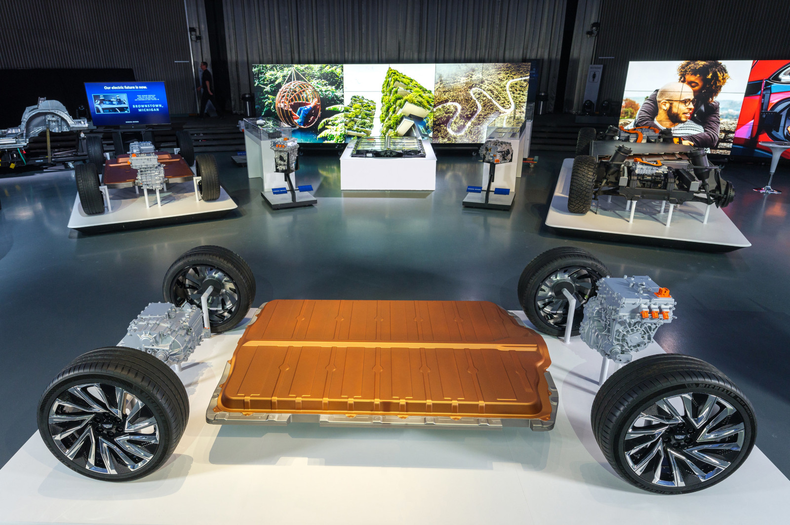 General Motors continúa estrategia encaminada a eléctricos y autónomos