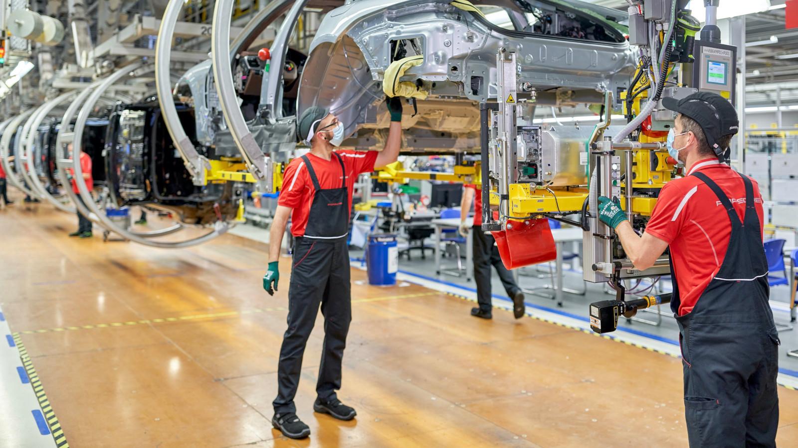 La planta de Porsche en Leipzig se prepara para la electromovilidad
