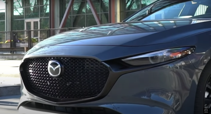 Lanzan Mazda3 turbo, ¡apártalo en internet!