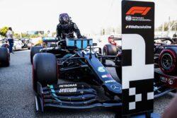 Lewis Hamilton consigue su pole position número 92