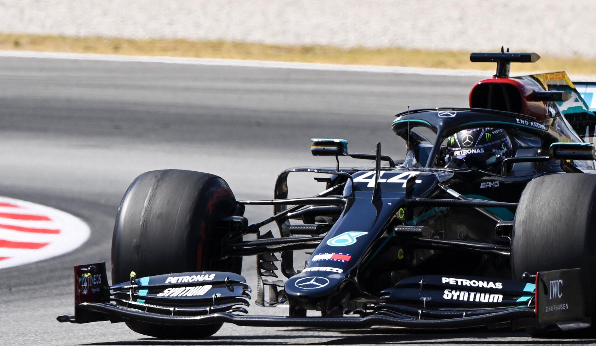 Cómoda victoria para Lewis Hamilton en España