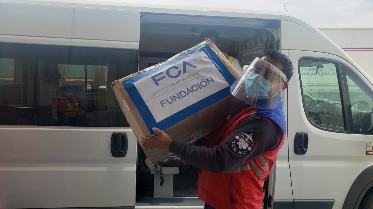 Fundación FCA México dona 200 mil cubrebocas quirúrgicos