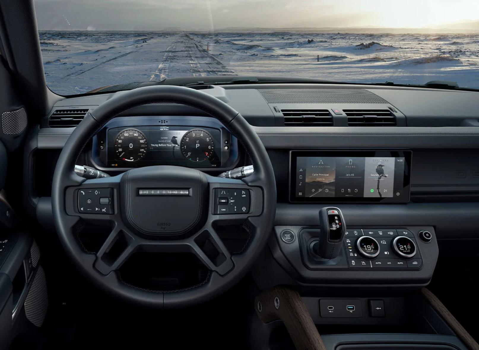 Tecnologías en Land Rover Defender, Ram TRX y  Chevrolet Tracker