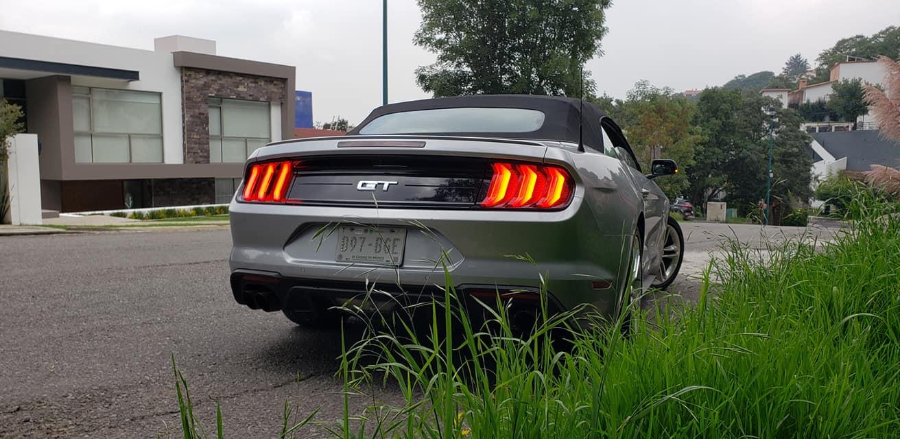 Mustang Convertible, prueba de manejo al aire libre