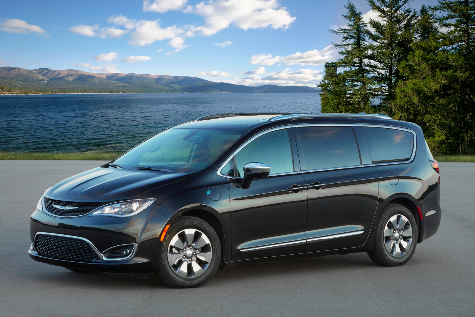 Reconocen a Chrysler Pacifica Hybrid