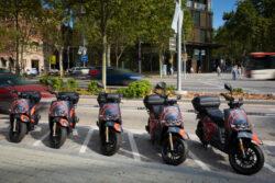 SEAT MÓ inicia su servicio de motosharing en Barcelona (1)