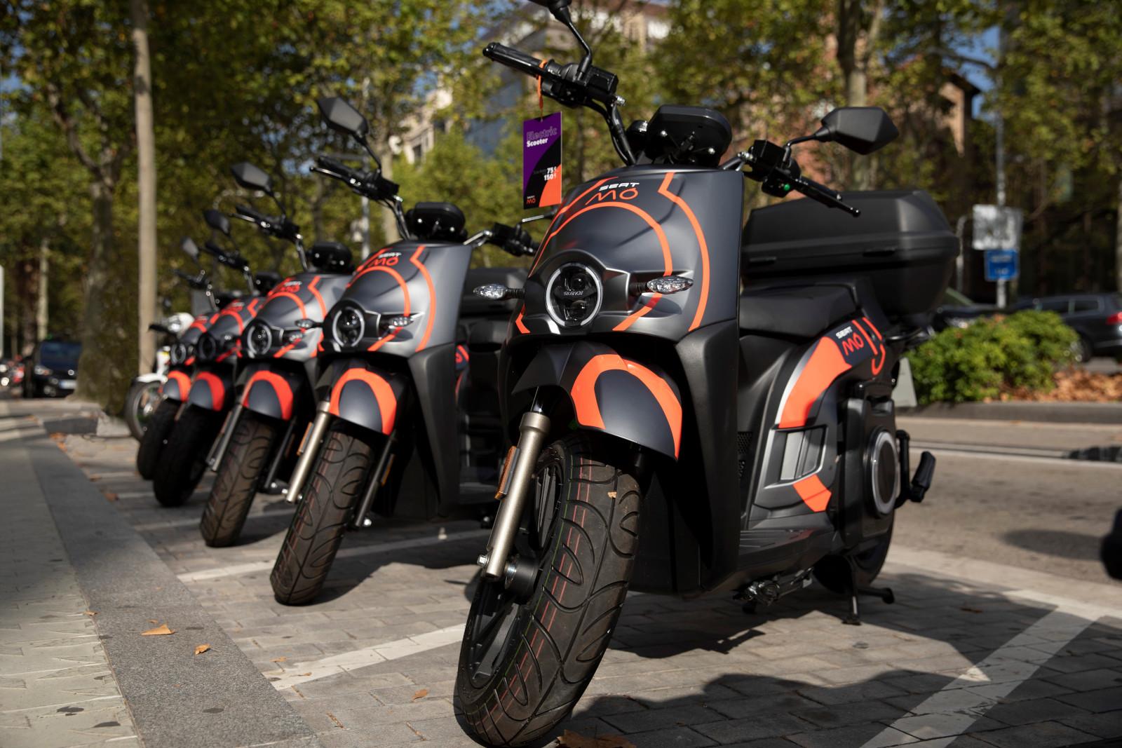 SEAT MÓ inicia su servicio de motosharing en Barcelona