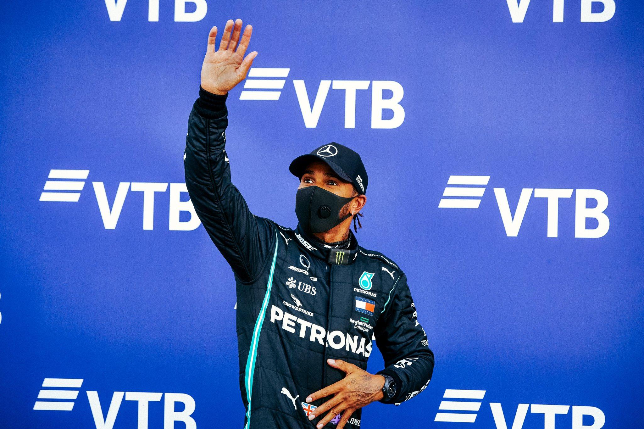 Lewis Hamilton logra su pole position 96 en Sochi