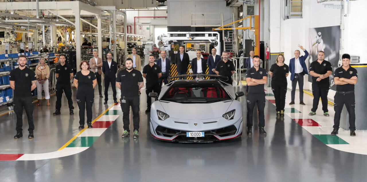 Lamborghini celebra el Aventador número 10,000