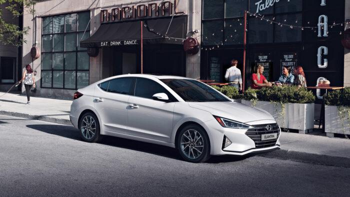 Cuatro sedanes con gran funcionalidad: Hyundai Elantra, Toyota Corolla KIA Forte y Mazda 3
