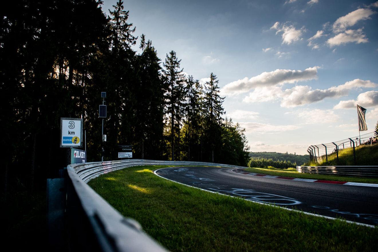 """El """"infierno verde"""" da la bienvenida a la Fórmula 1"""
