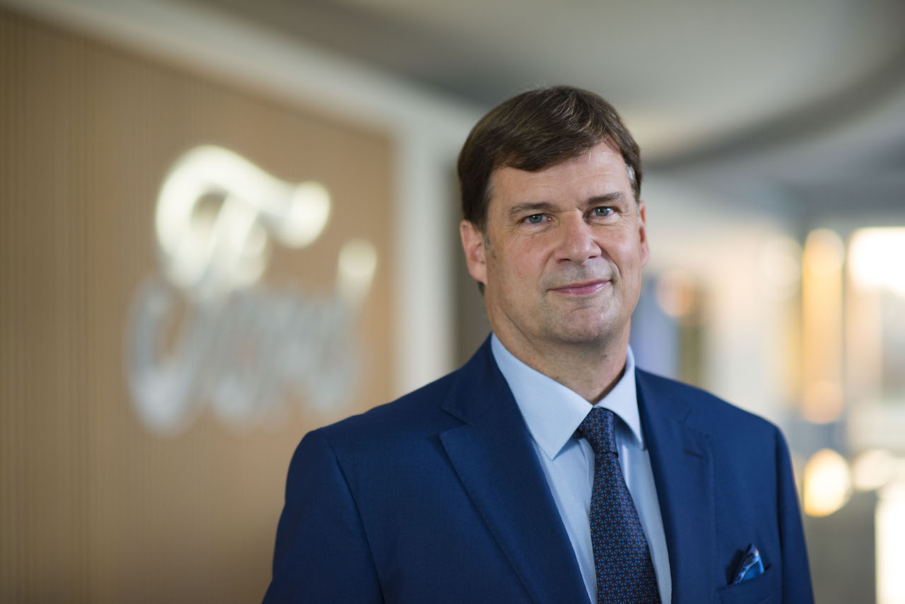 Jim Farley asume como CEO de Ford