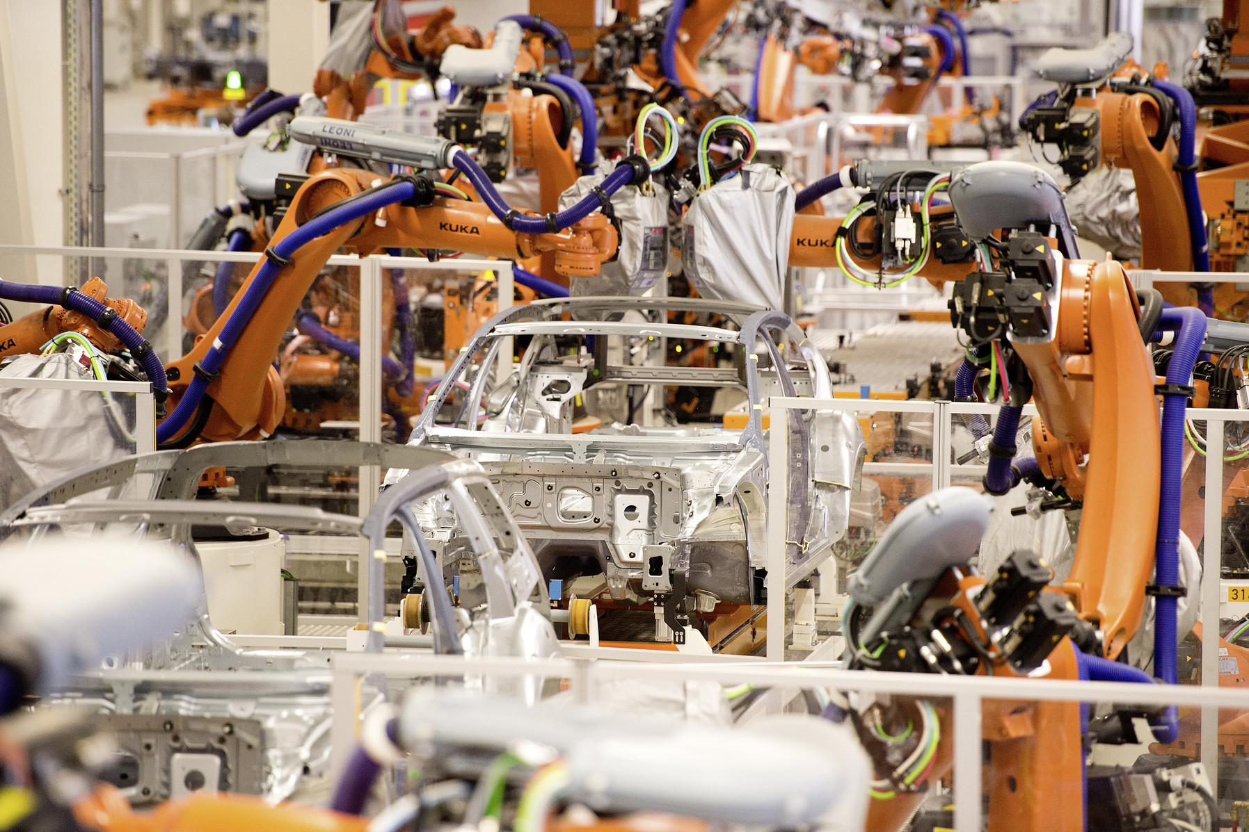 Volkswagen invierte en automatización de plantas para producción de eléctricos