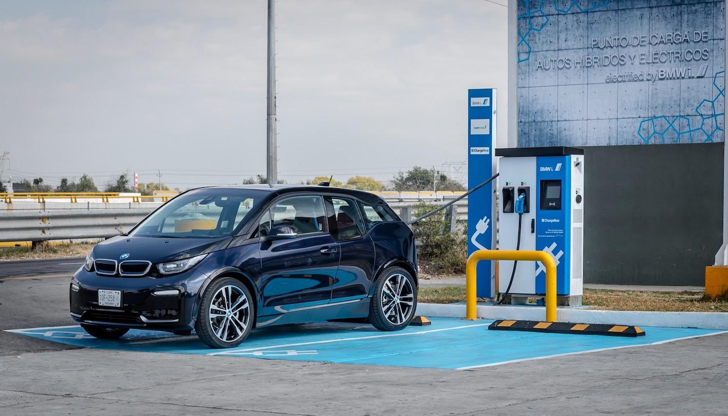Cómo localizar las estaciones de carga para vehículos eléctricos