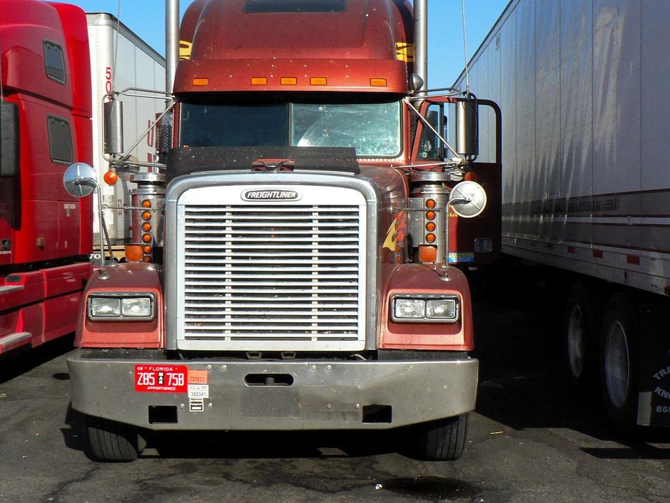 Tipos de camiones según su peso, mercancía y categoría