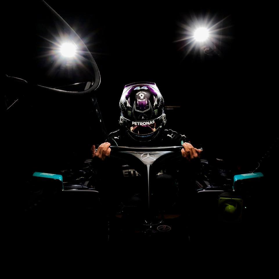 Hamilton consigue la pole position en Bahréin