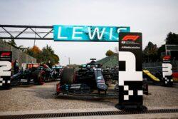 Hamilton se impone en Imola; Mercedes Campeón