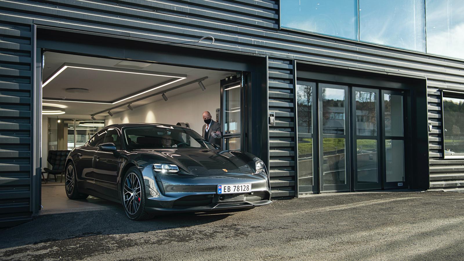 Porsche entrega el Taycan mil en Noruega
