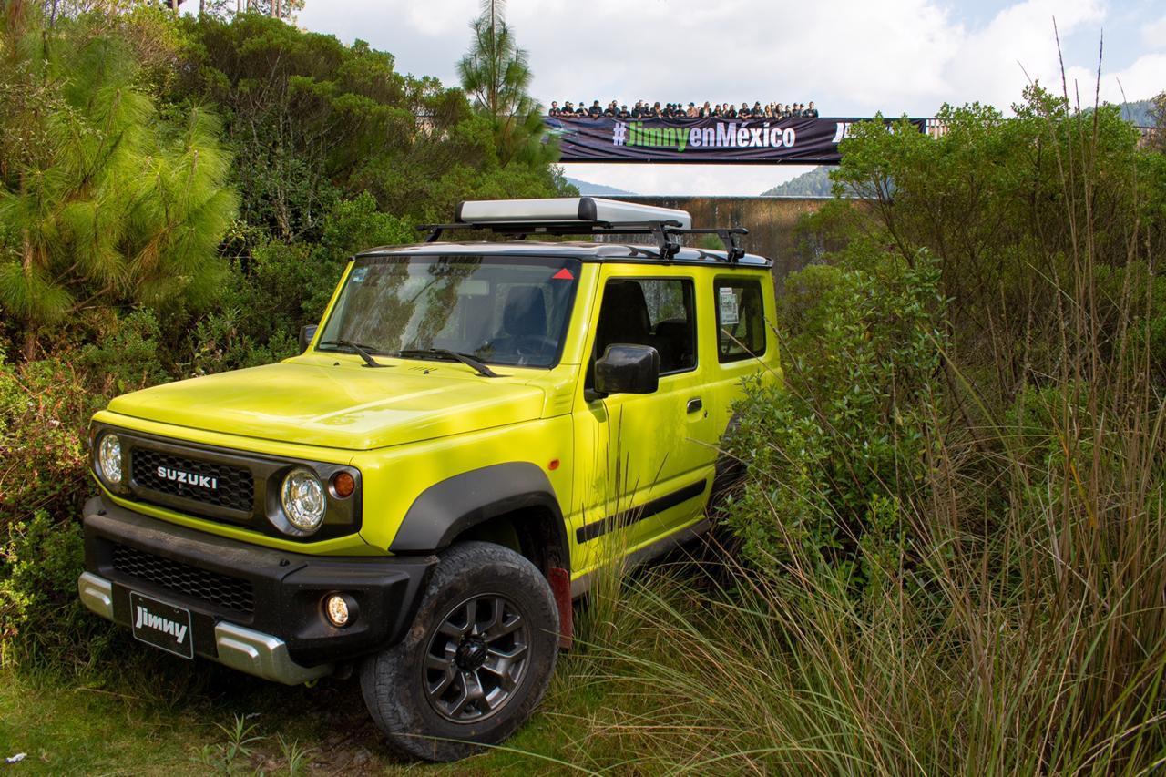 Producto y más producto en Suzuki: presenta Jimny