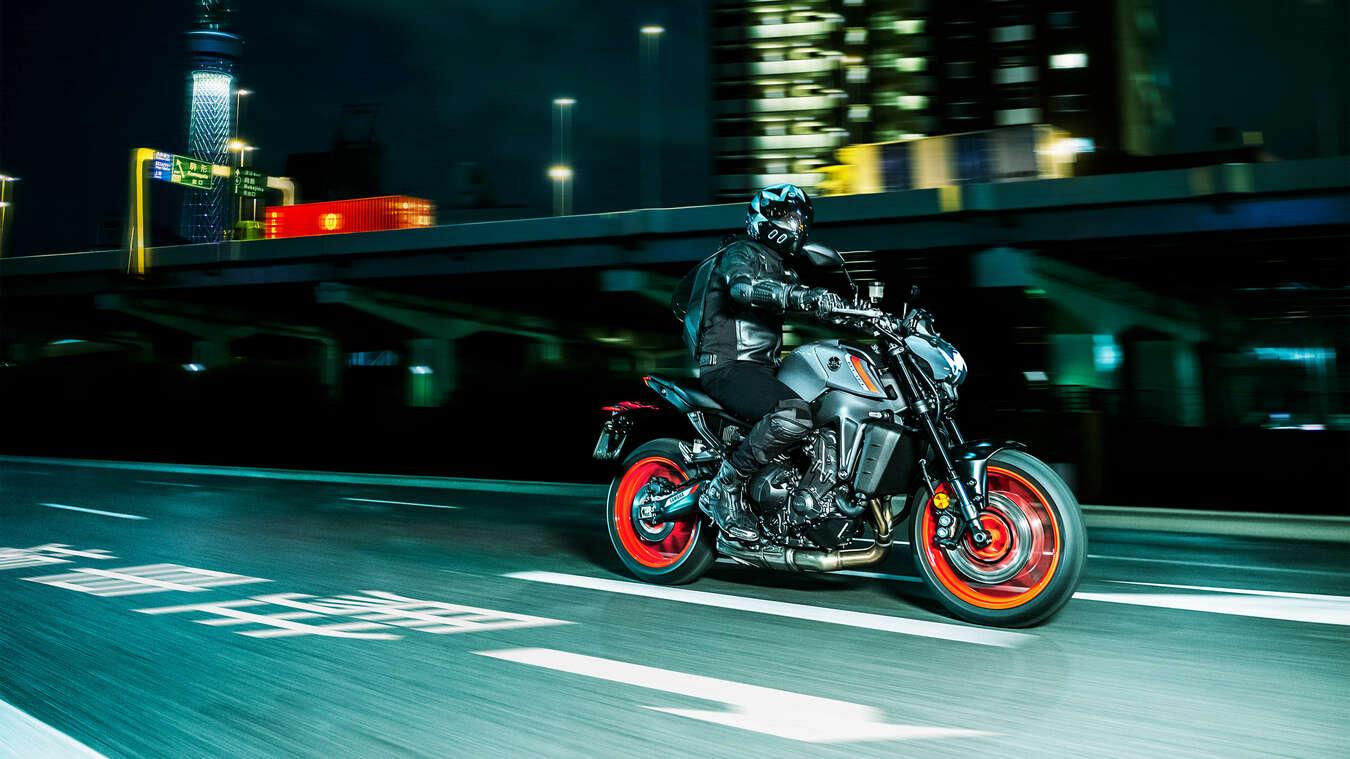 Yamaha MT-09, más ligera y avanzada