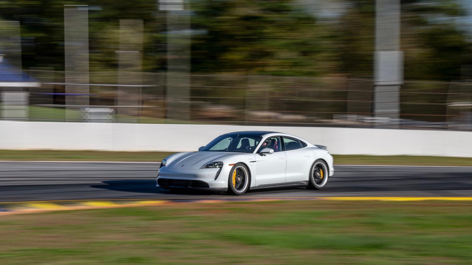 Nuevo récord para el Porsche Taycan Turbo S