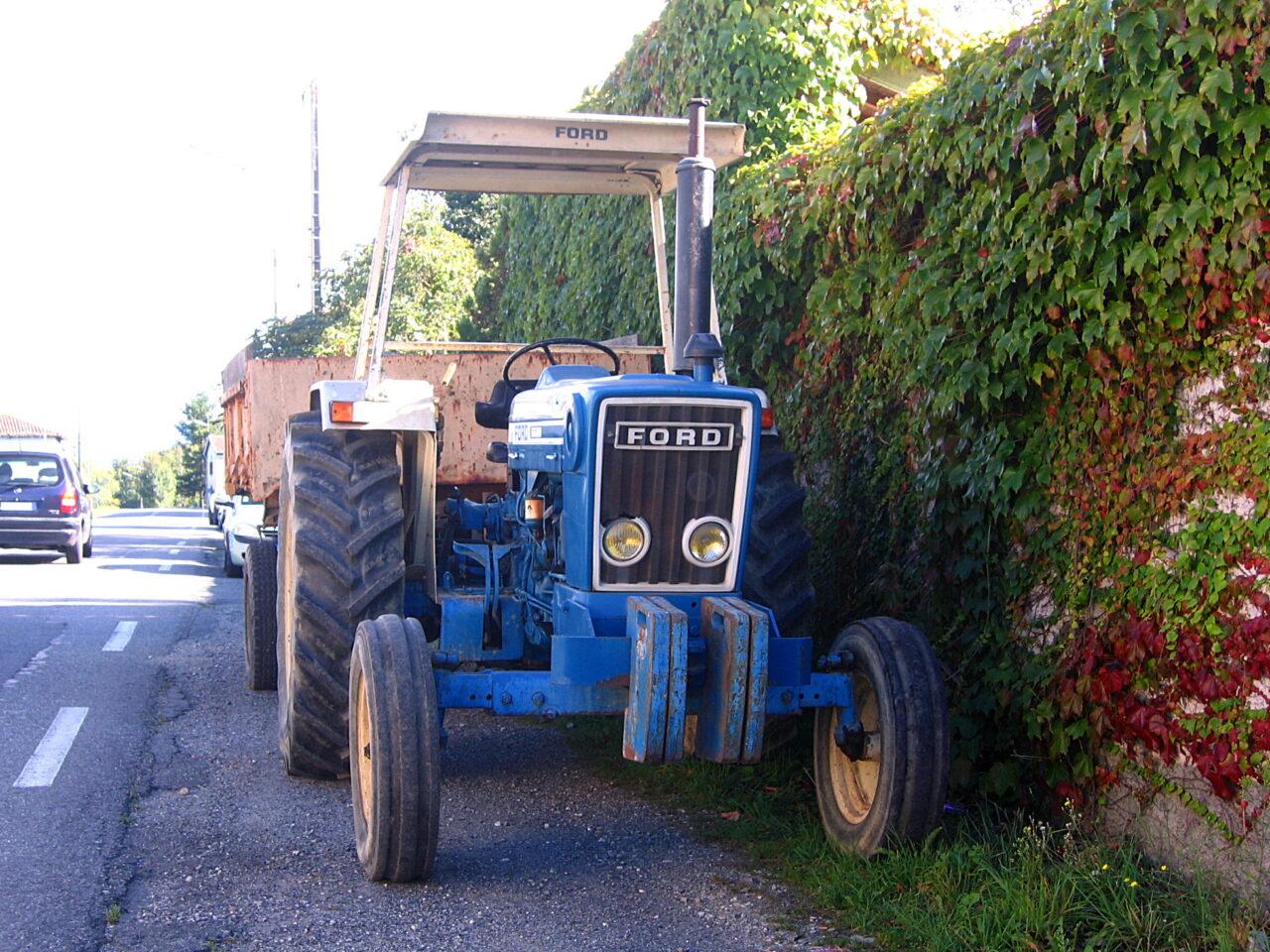 Marcas de autos que iniciaron fabricando tractores