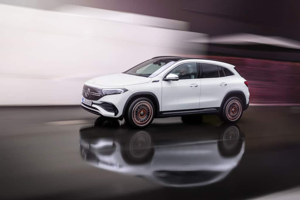 """Mercedes-Benz revela su modelo EQA, el más """"pequeño"""" de sus eléctricos"""
